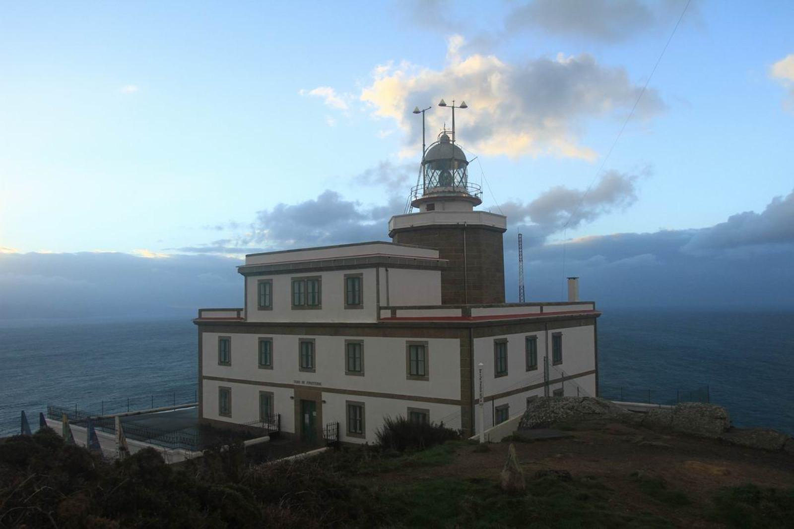 Переговоры испанцев и американцев (Маяк А-853 Fisterra Lighthouse)