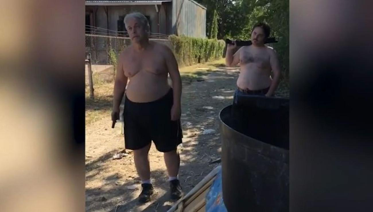 В США отец и сын расстреляли соседа из-за матраса