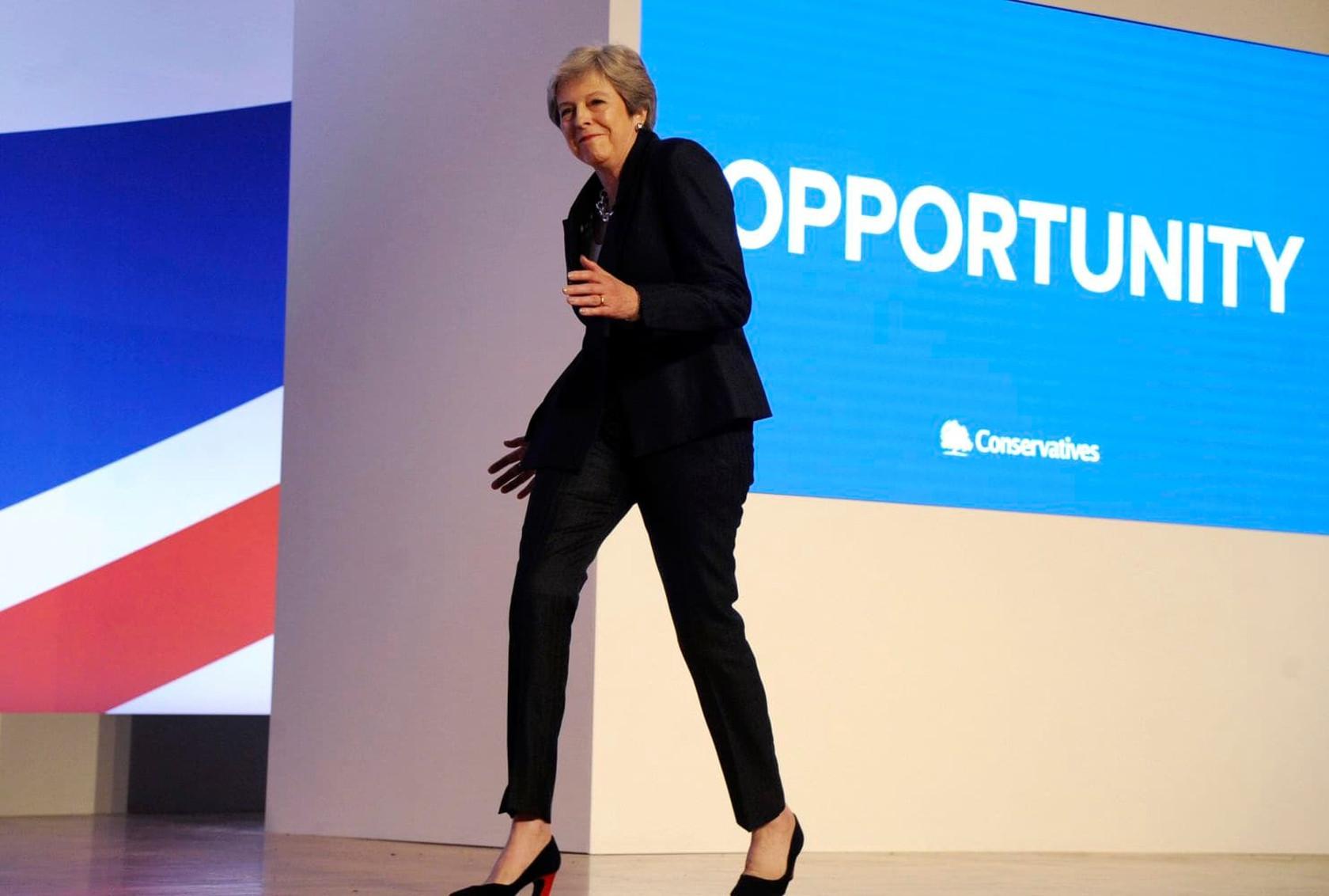Лучшие танцы Терезы Мэй | Theresa may's best dance