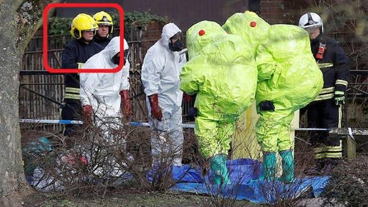 И почему у дома Срипаля рядом с облаченными в защитные химкостюмы специалистами стоят полицейские без какой-либо спецзащиты?