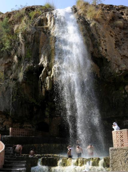 Горячие водопады Хаммамат Маин разрушены селевым потоком.