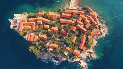 Почему стоит провести свой отпуск в сказочной и неповторимой Черногории