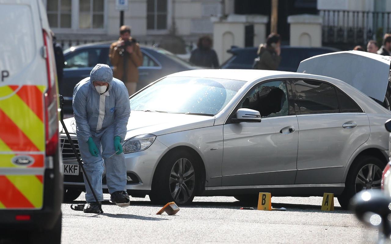 Полиция расстреляла автомобиль который врезался в автомобиль украинского посла